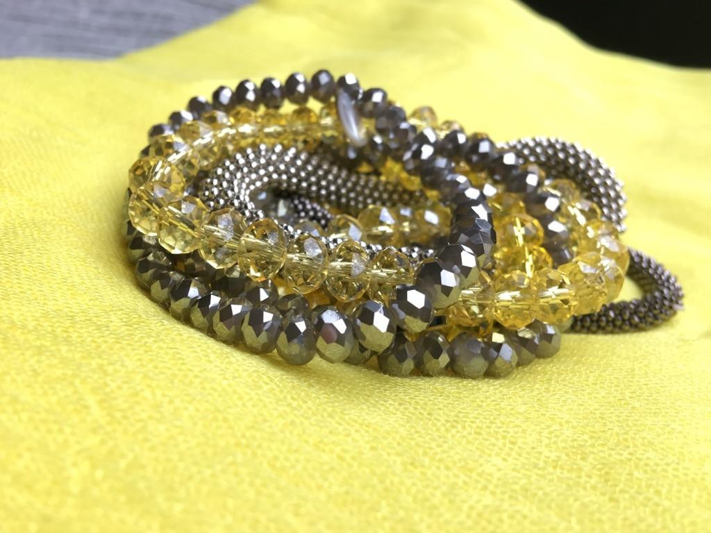 Armbänder in Gelb und Silber