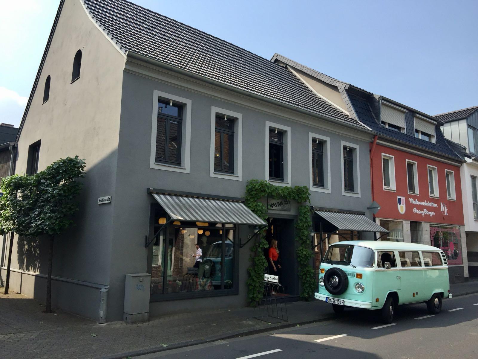 VW Bus im Sommer