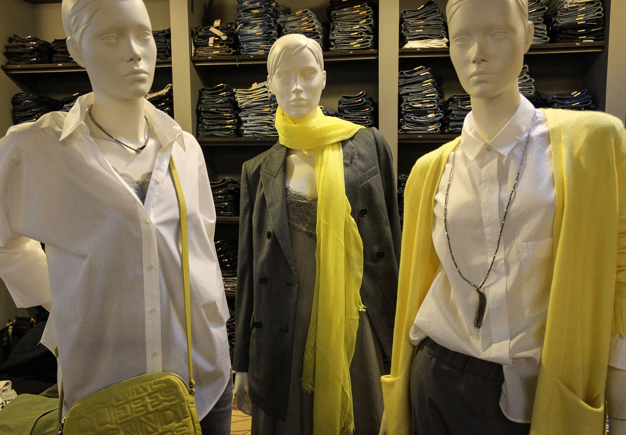 Gelb Graue Outfits