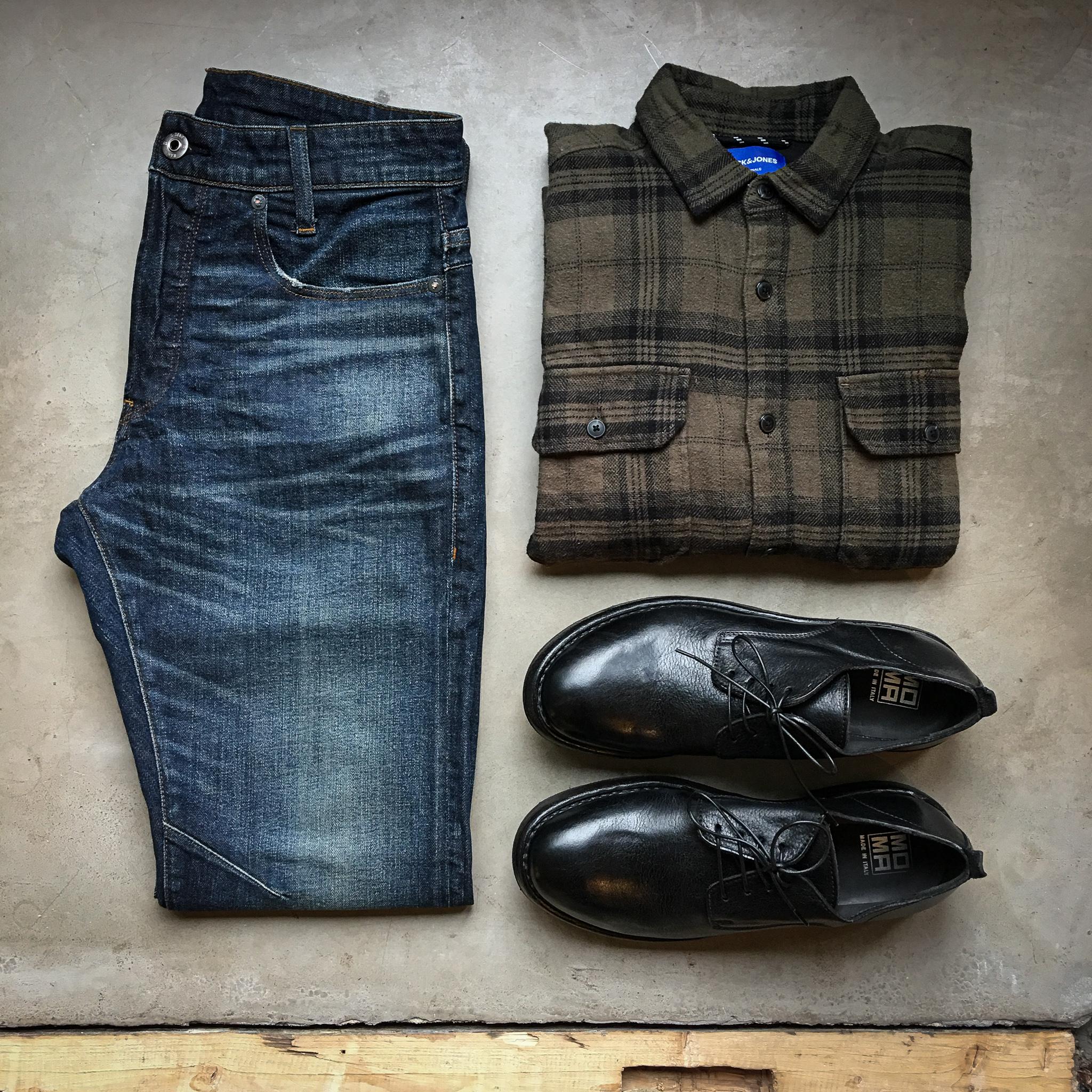 Karohemd und Slimfit Jeans